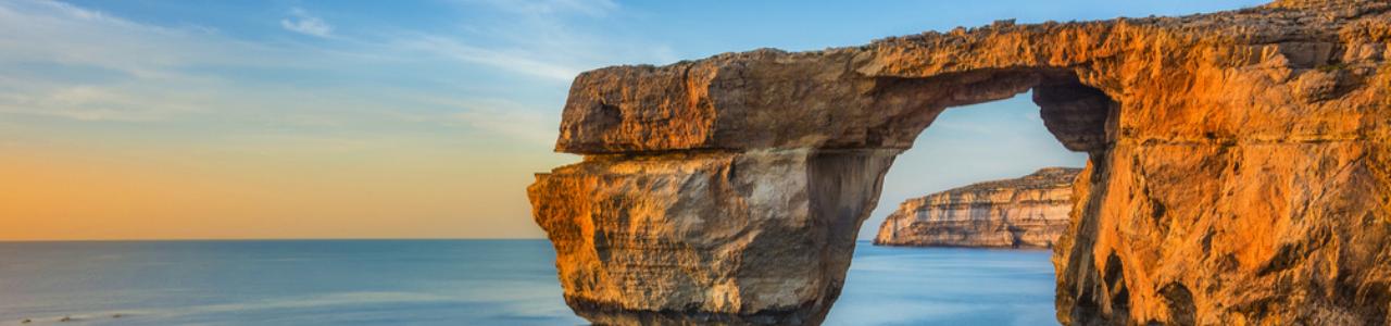 Málta látnivalók - Azúr ablak
